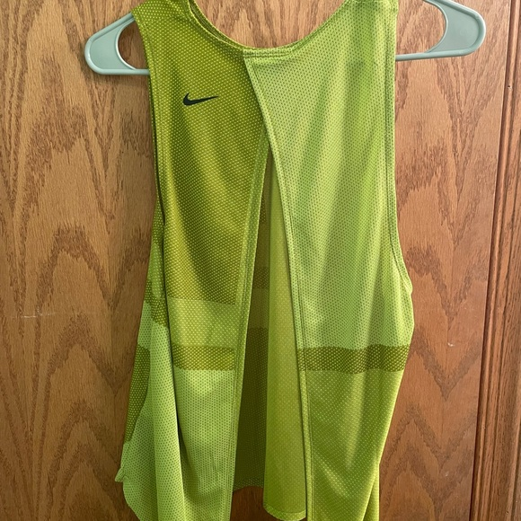 Nike work out shirt with open back